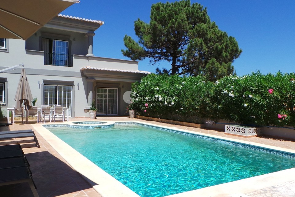 Luxury 4 bedroom villa with private pool and walking distance to the beach