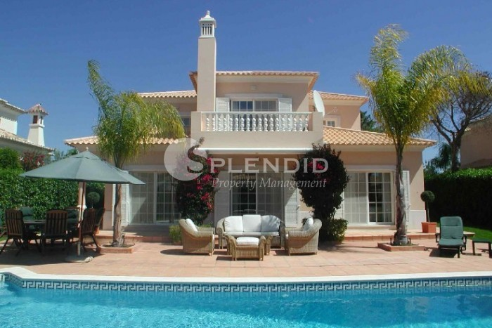 A 4 bedroom Villa set in a quiet location within  the golden triangle