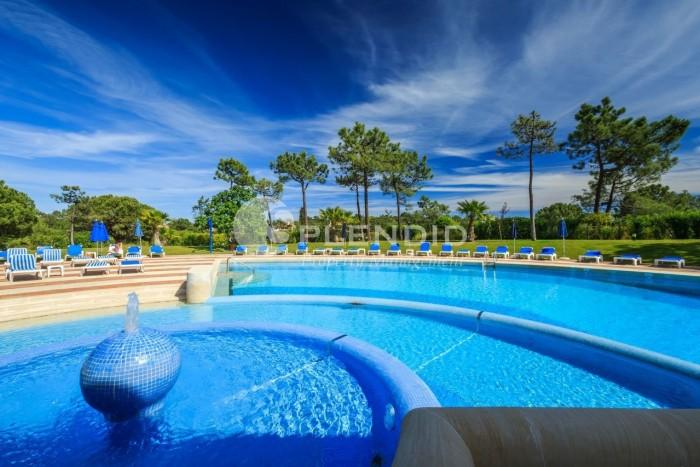 Luxurious Quinta Do Lago Apartment close to the Beach